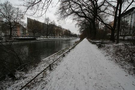 Schnee am Landwehrkanal - Berlin im Winter 2009