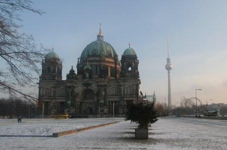 Winter 2009/2010 in Berlin: Berliner Dom und Fernsehturm