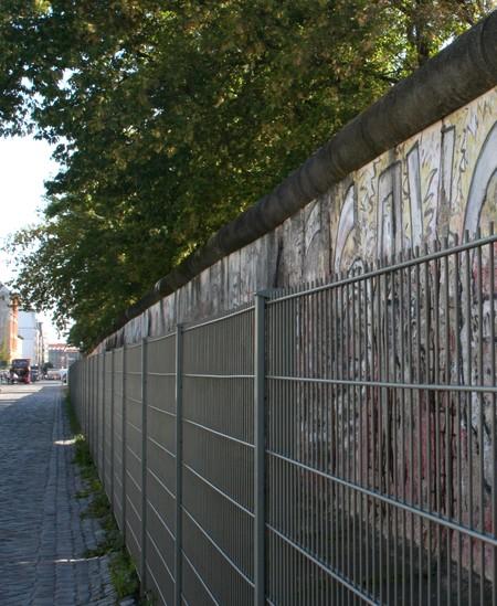 Hinter Gitter: Die Berliner Mauer 2009