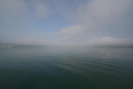 Auf dem Bodensee und unter den Wolken...