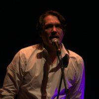 Frank Spilker auf der volksbühne in Berlin