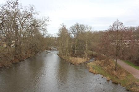Die Ilm fließt durch Weimar