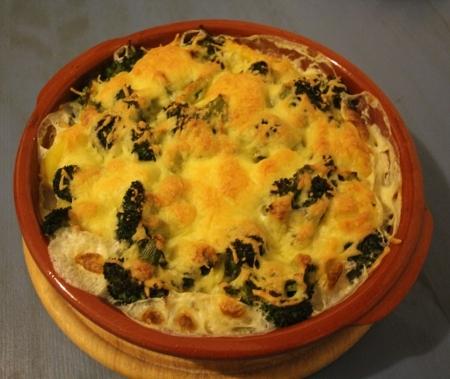Selbstgemachter Kartoffel-Broccoli-Auflauf