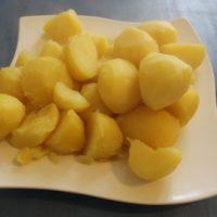 Ein Teller Kartoffeln
