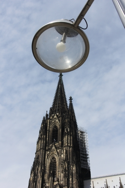Klner Dom mit Laterne