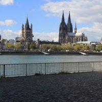 Kölner Dom und Vater Rhein
