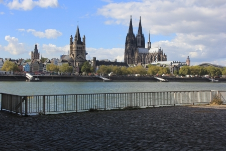 Klner Dom und Vater Rhein