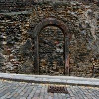 Mainzer Tür aus Stein