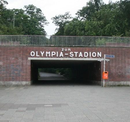 Olympiastadion-Wegweiser