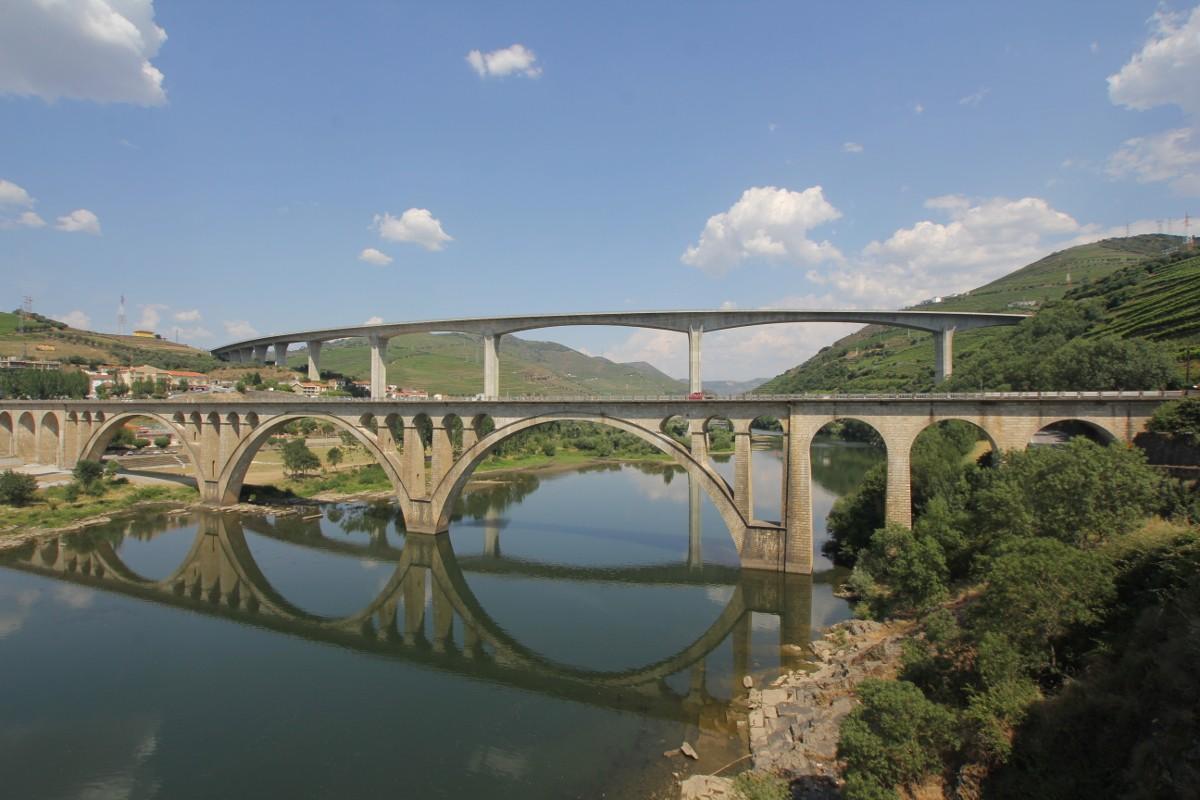 Die Brücken über den Douro