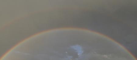 Regenbogen über Berlin