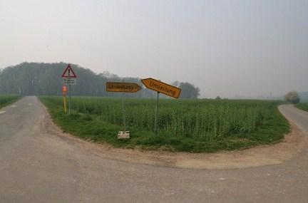Die doppelte Umleitung oder der Schilderwald im Osnabrücker Land