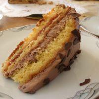 Torte mit Schokolade und Schokstreusel