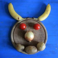 Bananen, Zwiebeln, Tomanten und Teufel